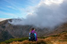 Free Photography Of Woman Wearing Jacket On Mountain Peak Royalty Free Stock Photo - 115203075