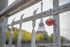 Free Close-Up Photography Of Heart Shaped Padlock Royalty Free Stock Images - 115203159