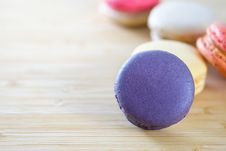 Free Photo Of Macarons On Brown Wooden Surface Stock Image - 115269091