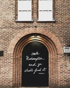 Free Black Wooden Door With Quote Printed At Daytime Royalty Free Stock Images - 115423439