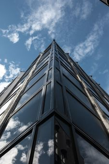 Free Worms View Photo Of High Rise Building Stock Photo - 115423480