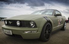 Free White Ford Mustang Coupe Royalty Free Stock Photos - 115423658