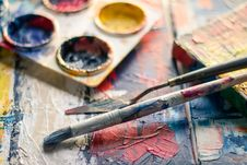 Free Selective Focus Photography Of Paintbrush Near Paint Pallet Royalty Free Stock Photos - 115550318
