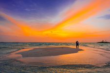 Free Two People Standing Near Seashore Stock Photo - 115628140