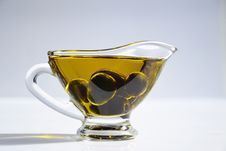 Free Photo Of Olives On Cup Of Olive Oil Royalty Free Stock Images - 115628149