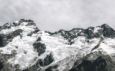Free Photography Of Snow Capped Mountain Royalty Free Stock Photography - 115628157
