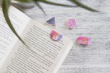 Free Opened Book With Pink Note Bookmark Stock Image - 115628161