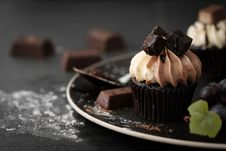 Free Shallow Focus Photography Of Chocolate Cupcakes Royalty Free Stock Images - 115628189
