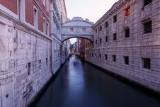 Free Photo Of Canal Between Buildings Stock Photo - 115628220