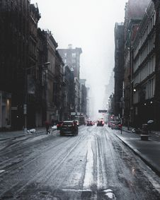 Free Photography Of Wet Roadway Royalty Free Stock Images - 115628249