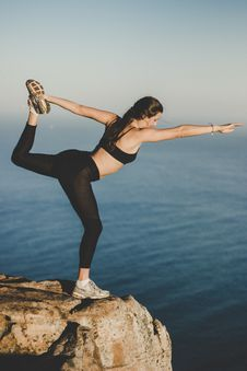 Free Woman Wearing Black Bra And Pants On Top Of The Mountain Near Lake Royalty Free Stock Photos - 115628378