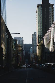 Free Photography Of Roadway In Between Buildings Royalty Free Stock Image - 115628386