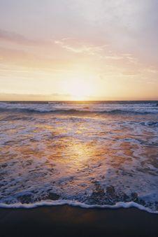Free Photo Of Ocean Waves Near Seashore During Sunset Stock Image - 115628411