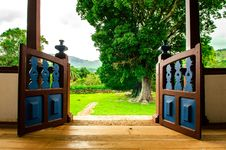 Free Opened Brown Wooden Gate Stock Photography - 115694032