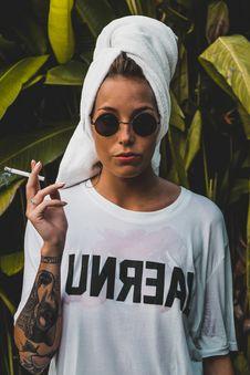 Free Women S White Crew-neck T-shirt Stock Photography - 115694092