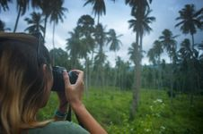 Free Woman Holding Dslr Camera Taking Photo Stock Image - 115773681