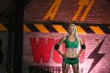 Free Woman Wearing Green Sports Bra And Bottoms Stock Images - 115773854