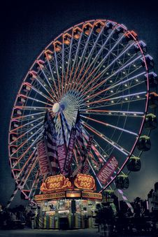 Free Ferriswheel At Night Royalty Free Stock Images - 115773859