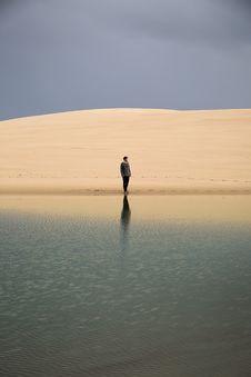 Free Man Standing On Seashore Stock Photography - 115773882