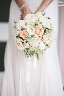 Free Flower, Flower Bouquet, Bride, Flower Arranging Royalty Free Stock Photo - 115805295