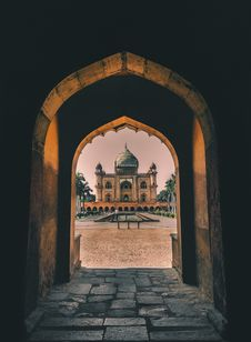 Free Empty Concrete Tunnel Through Mosque Royalty Free Stock Photos - 115844108