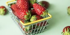Free Basket, Berry, Breakfast Royalty Free Stock Photos - 115860948