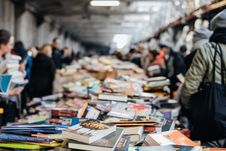 Free Photo Of Book Collection On Top Of Table Stock Photography - 115913662