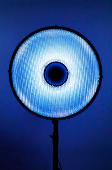 Free Blue Spot Light Stock Photography - 115976932