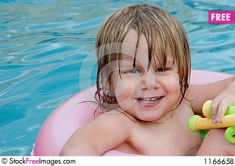Free Wet Little Girl Royalty Free Stock Photos - 1166658