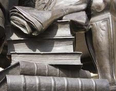 Free Statue Stone Books Royalty Free Stock Photo - 1168075
