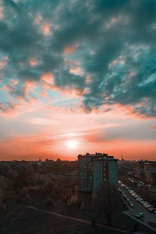 Free Photography Of Grey Buildings During Sunset Royalty Free Stock Image - 116049836
