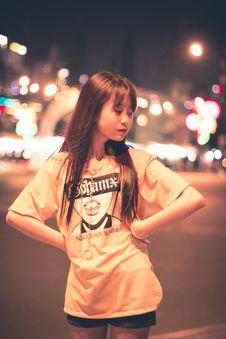 Free Woman Wears Orange Short-sleeved Shirt Royalty Free Stock Photo - 116049975