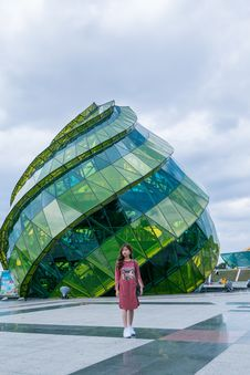 Free Green And Teal Glass Dome Building Royalty Free Stock Images - 116050009