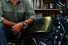 Free Gold And Silver Harley-davidson Motorcycle Royalty Free Stock Photos - 116147568