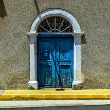 Free Blue, Window, Wall, Architecture Royalty Free Stock Photo - 116175525