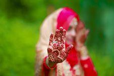 Free Woman Wearing Mehndi Tattoos Stock Photos - 116232003
