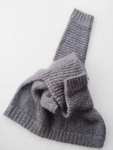 Free Gray Knitted Textile Stock Photos - 116232263