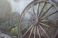 Free Gray Multi-spoke Wheel Leaning On Wall Stock Photo - 116232370