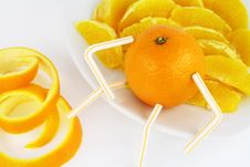 Free Orange And Orange Segments On A Plate Stock Photo - 11634160