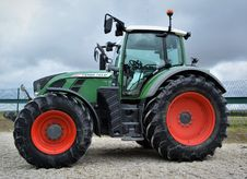 Free Tractor, Agricultural Machinery, Motor Vehicle, Vehicle Royalty Free Stock Photo - 116330875