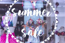 Free Summer Up To 70 Sale Text Royalty Free Stock Photo - 116371395
