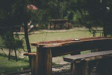 Free Gray Ashtray On Brown Wood Slab Table Stock Photos - 116371523