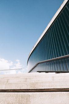 Free Photo Of Gray Concrete Stairway Beside Building Stock Photos - 116371603