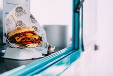Free Selective Focus Photography Of Cooked Burger Royalty Free Stock Photography - 116504337