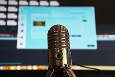 Free Selective Focus Photography Of Gray Stainless Steel Condenser Microphone Stock Photo - 116504440