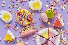 Free Colorful Sweets Royalty Free Stock Image - 116504446