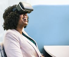 Free Woman Wearing White Robe And Black Virtual Reality Headset Stock Photo - 116504600