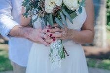 Free Woman Holding White Bouquet Stock Photos - 116695553