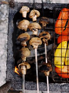 Free Grilled Mushrooms On Charcoal Grill Royalty Free Stock Photography - 116695667