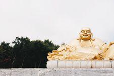 Free Gold Buddah Statue Royalty Free Stock Photos - 116696188